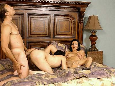 Hot Bisexual Three-way Banging